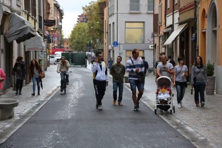 Stop alle auto in via Appia, due le ipotesi in lizza
