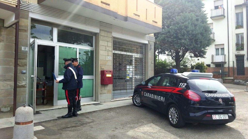ladri all 39 ufficio postale messi in fuga dai carabinieri