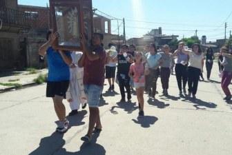 In Argentina i ragazzi cantano per annunciare Dio lungo le strade