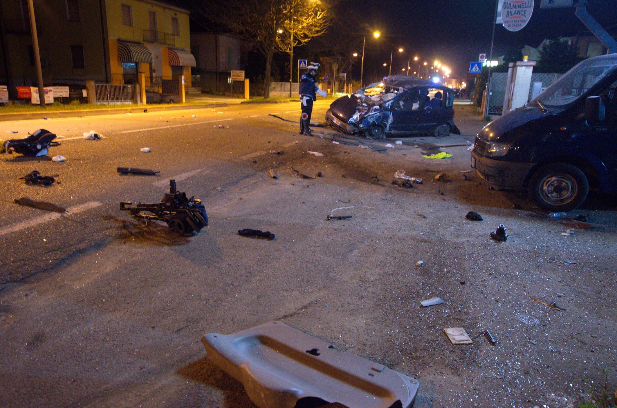 Lugo alcol e velocit dietro alla tragedia di via de for Libertas nuoto lugo