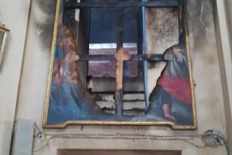 Castel Bolognese, incendio sfiora la chiesa di San Francesco