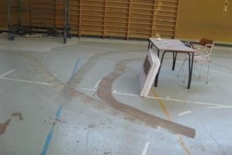 Vandali in azione alle scuole medie di Lavezzola