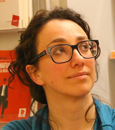 Mina sul davanzale l 39 adolescenza raccontata da sara for Libertas nuoto lugo